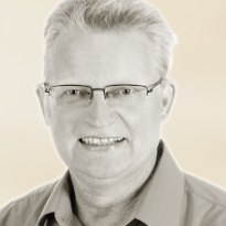 Dr. Mathias Clasen