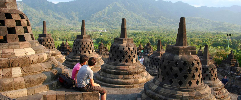 Indonesien ─ Strände, Dschungel und Vulkane