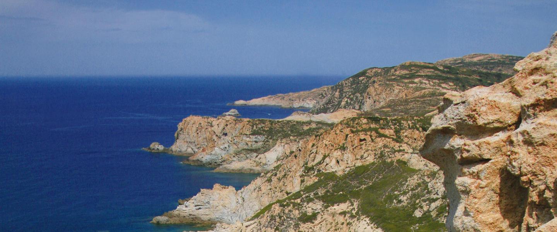 Korsika Bella-Gebirge am Meer